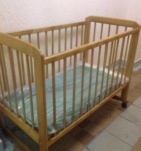Детская кроватка натуральное дерево