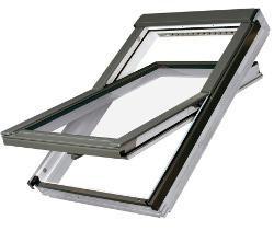 Среднеповоротное пластиковое окно fakro 55*98