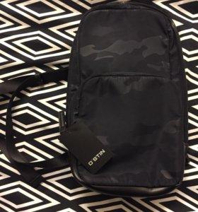 Мужской рюкзак темно-синий цвет. OSTIN