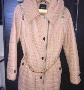 Куртка в отличном состоянии, размер 42, весна-осен