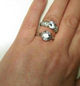 Кольца новые. Посеребрение, кристаллы. Р-р 17-17.5