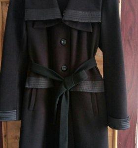 Пальто женское 52р.