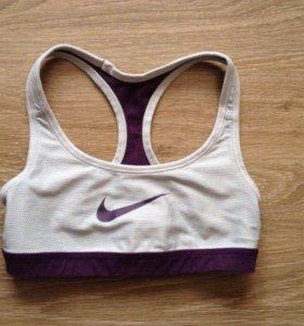 Спортивный топ Nike 36-38р-р
