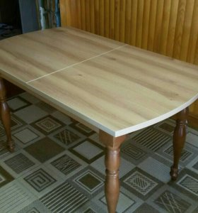 Продается кухонный стол.