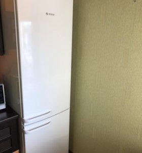 Холодильник двухкамерный двухкомпрессорный Bosch