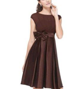 Новое платье из атласа.