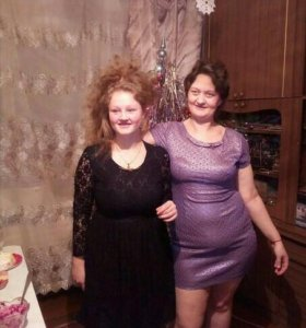 Продам три платья черное, фиолетовое