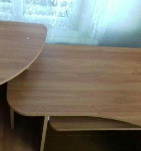 Компьютерный стол и шкаф (пенал)