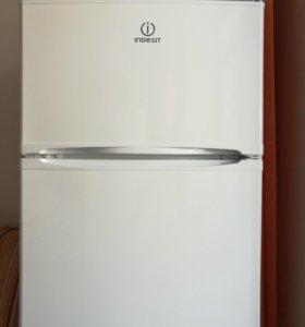 Холодильник indezit sТ167