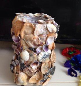 Ваза декорирована  морскими ракушками