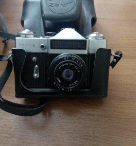 Фотоаппарат Зенит с чехлом