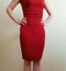 Платье темнокрасное