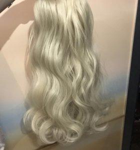 Волосы блонд на леске для причёсок