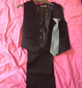 Костюм: брюки, жилет, галстук (5-6л)