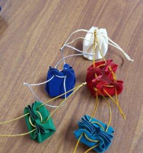 Подарочные бархатные мешочки и футляр