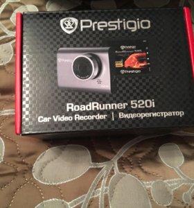 Видеорегистратор Prestigio RoadRunner 520i