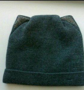 Продам шапочку с ушками.