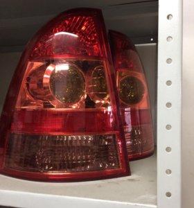 Фонари задние Toyota Corolla Fielder комплект