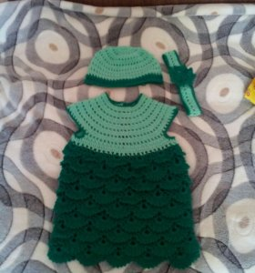 Вязанное платье ручной работы