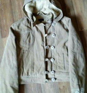 Куртка ,жен.46 разм