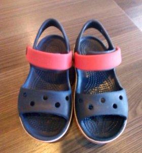 Продам сандали crocs c9,оригинальные