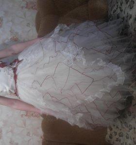 Платье пышное с кольцом