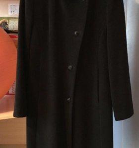 Пальто женское прямое чёрное 42-44 р-р