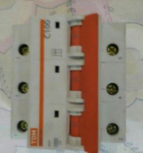 Автоматический выключатель ТДМ ВА47-100 на 100 А