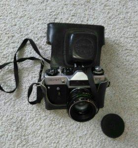 Фотоаппарат Зенит со вспышкой торг уместен