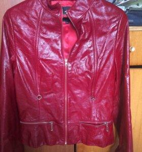 Лакированная кожаная куртка
