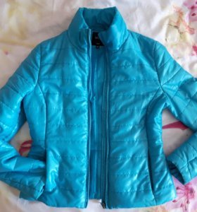 Куртка весна р-р 44