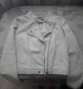 Куртка(один раз одета)