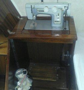 Машинка швейная Чайка
