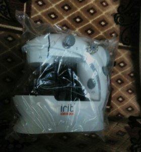 Новая швейная мини машинка