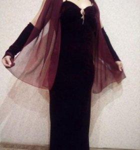 Платье велюр.бордовое
