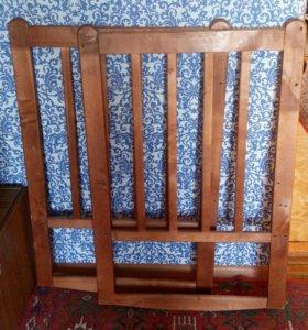 Детская кроватка без матраса