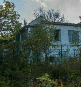 Участок с домом в Крыму