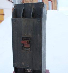 3-х фазный выключатель-автомат А31-44. на 400 амп