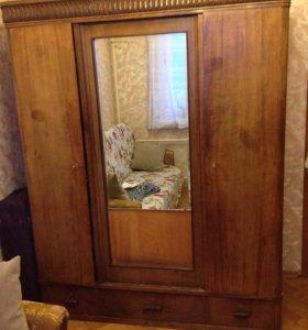 Шкаф времён СССР