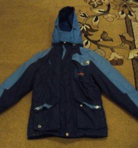 Куртка демисезонная с толстовкой в комплекте