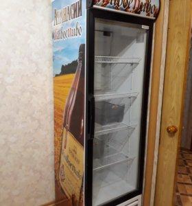 Холодильный шкаф витринный