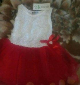 Новое платье (р.24 дл.49 см.)+ аксессуары