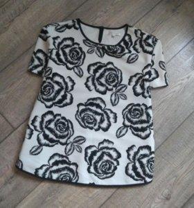 Блуза с выбивными цветами