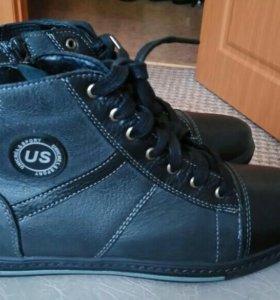 Новые кожаные ботинки 39 р.