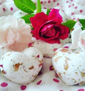 Бомбочки для ванн с лепестками роз