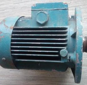 Электродвигатель АИР71А6 (б/у, 220/380) .