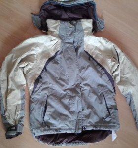 Куртка фирменная весна-осень с капюшоном,хорош сос