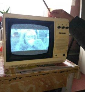 Телевизор малый ч/б