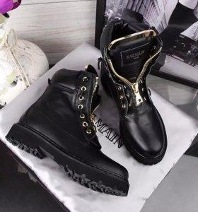 Новые Balmain ботинки р 39