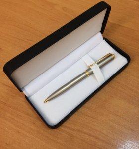 Ручка новая в футляре